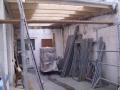 Die Dachplatten werden montiert