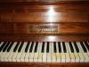 Klavier im Lagerraum